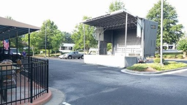 Mobile Stage rental to the Brickhouse Tavern in Newnan Georgia.